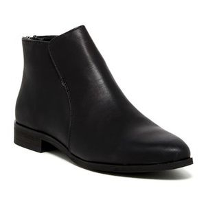 Mia Black Tucker Boots NWT